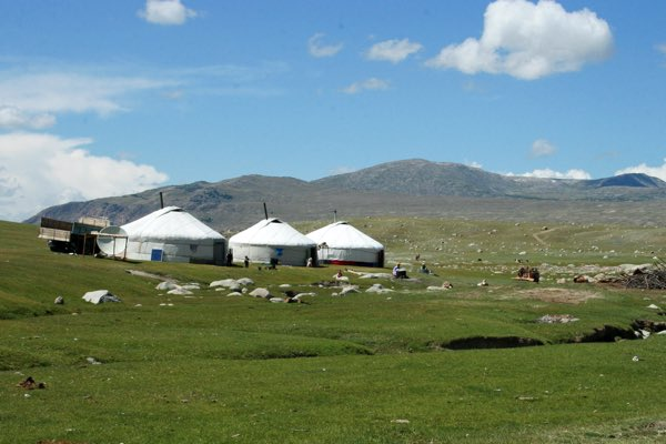 モンゴルの遊牧民のテント
