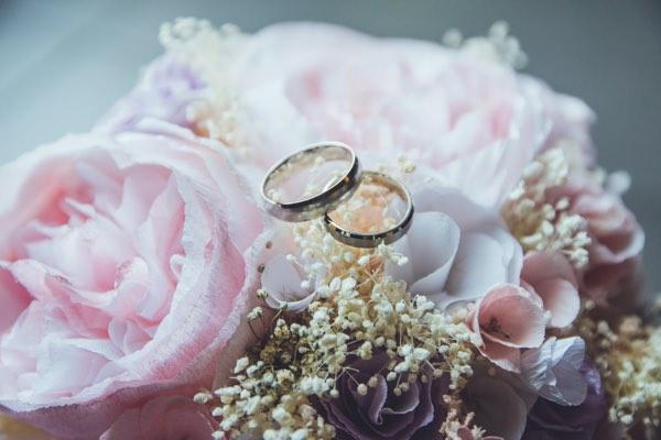 ブーケと結婚指輪