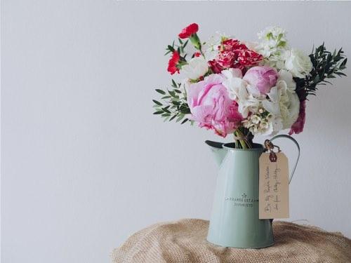 花瓶に刺さったお花