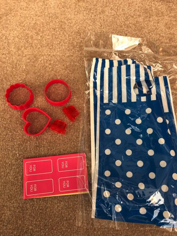 バレンタインクッキーの型とラッピング袋