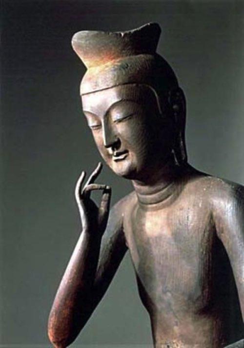 広隆寺の宝冠弥勒
